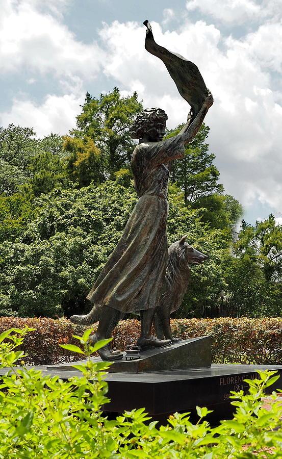 Savannah's Waving Girl by Jacqueline M Lewis