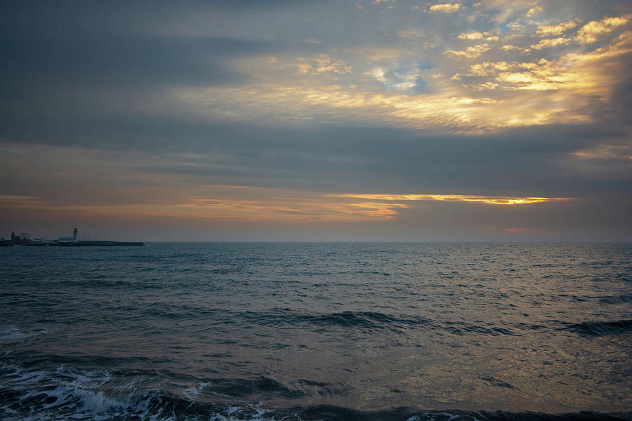 Scarborough Mixed Media - Scarborough Dawn by Smart Aviation