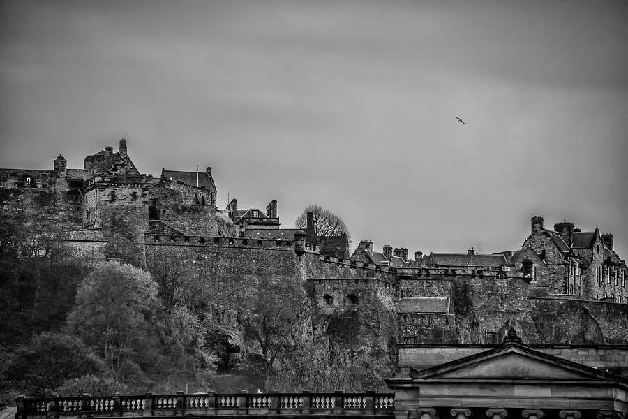 Scotland Photograph - Scotland - The Edinburgh Castle In Black And White by Bill Cannon