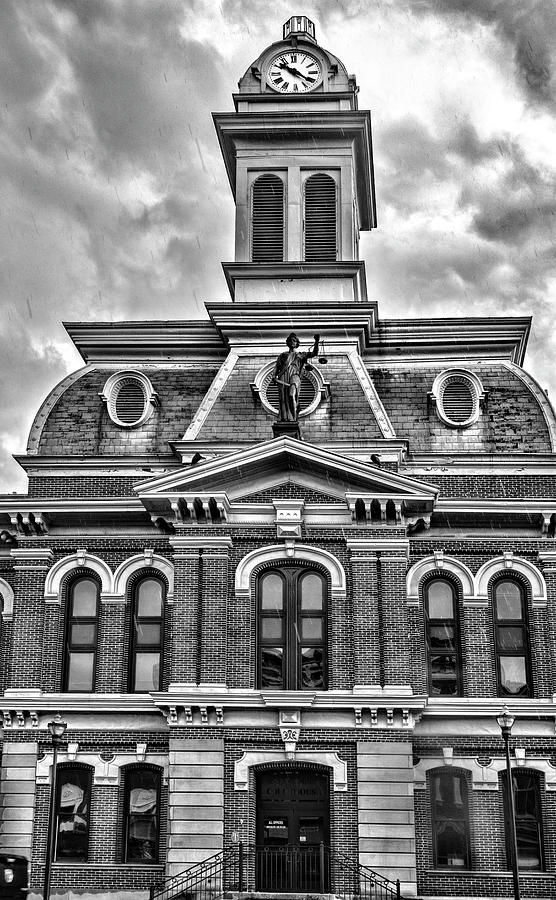 Scott County Courthouse by Sharon Popek