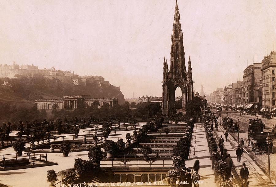 Scott Monument Photograph by Hulton Archive