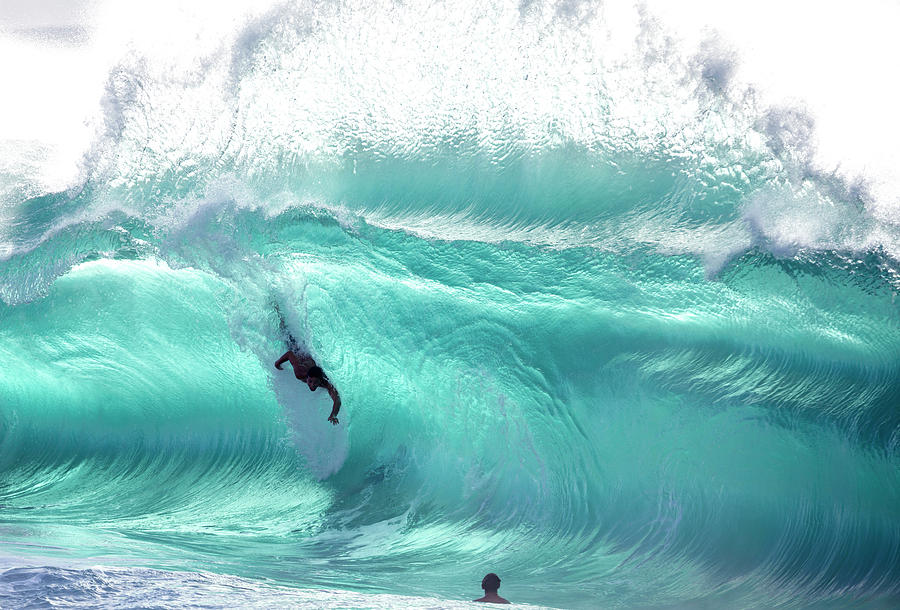 Scream In Blue by Sean Davey