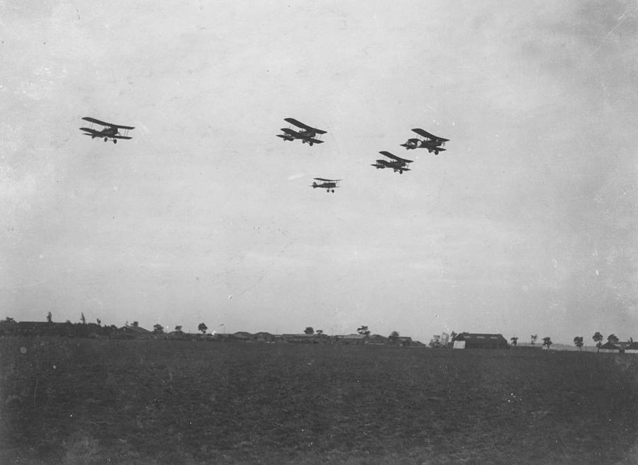 Se5 Formation Photograph by Spencer Arnold Collection