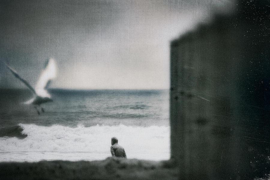 Sea, Alone... Photograph by Teruhiko Tsuchida