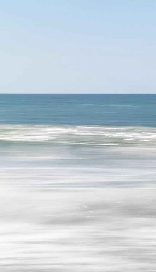 sea moves one by Mache Del Campo