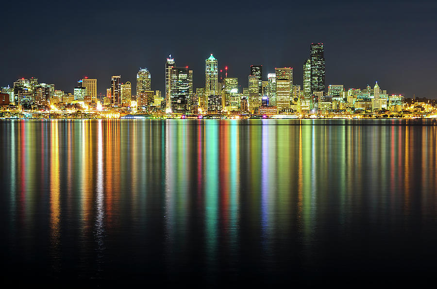 Seattle Skyline At Night Photograph by Hai Huu Thanh Nguyen