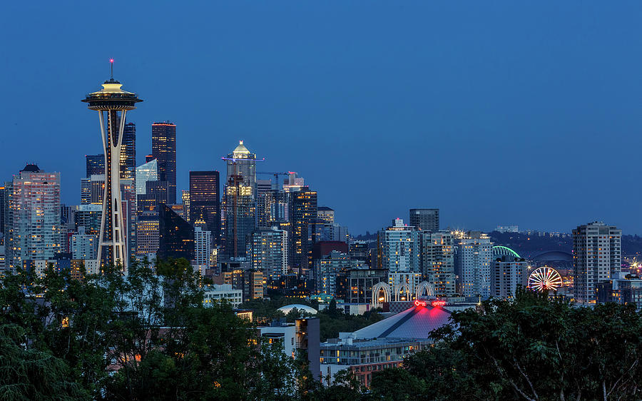 Seattle Skyline by Wes and Dotty Weber