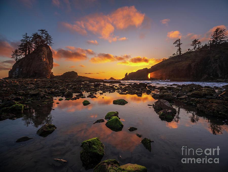Washington Coast Photograph - Second Beach Sunset Sunrays Though The Hole by Mike Reid