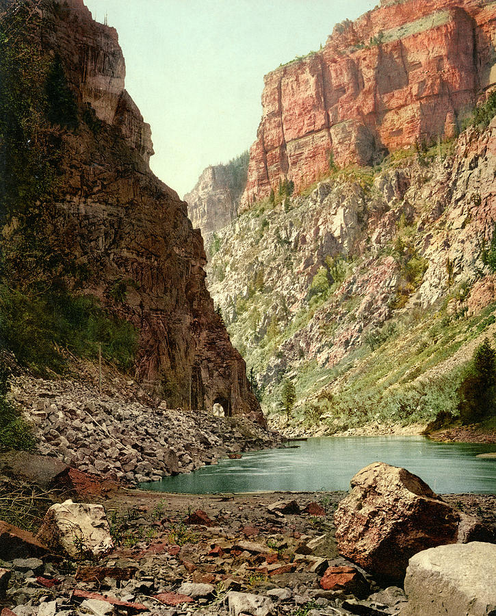 Second Tunnel, Grand River Canyon by Detroit Photographic Company