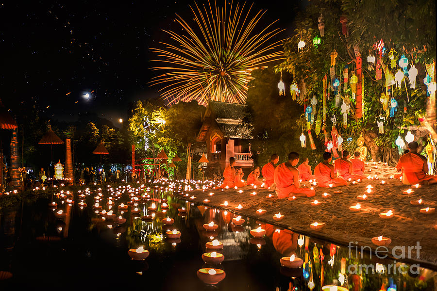 Sukhothai Photograph - Selective Focust At Main Buddha Statue by Anek.soowannaphoom
