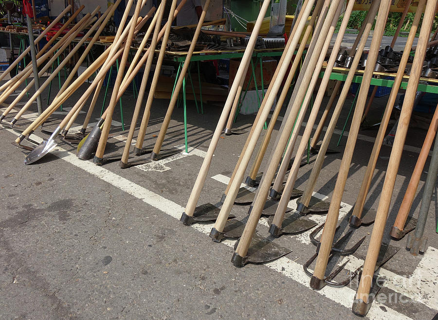 Selling Handmade Agricultural Tools by Yali Shi