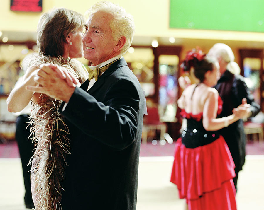 Senior And Mature Couples Dancing Photograph by Jutta Klee