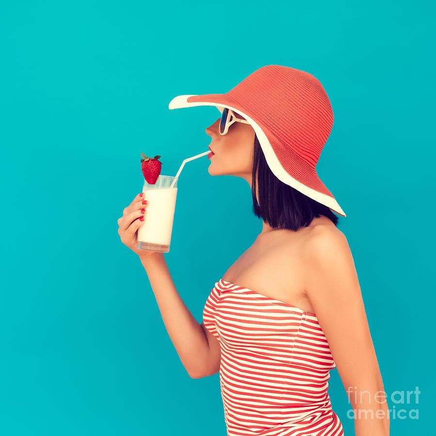 Pink Photograph - Sensual Girl With A Summer Cocktail by Evgeniya Porechenskaya