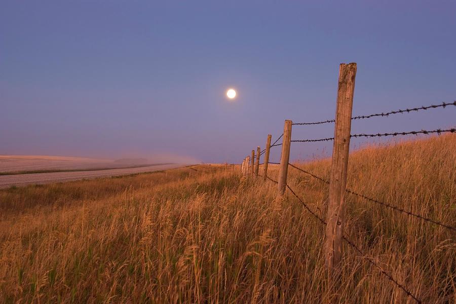 September 15, 2008 - Harvest Moon Down Photograph by Alan Dyer/stocktrek Images