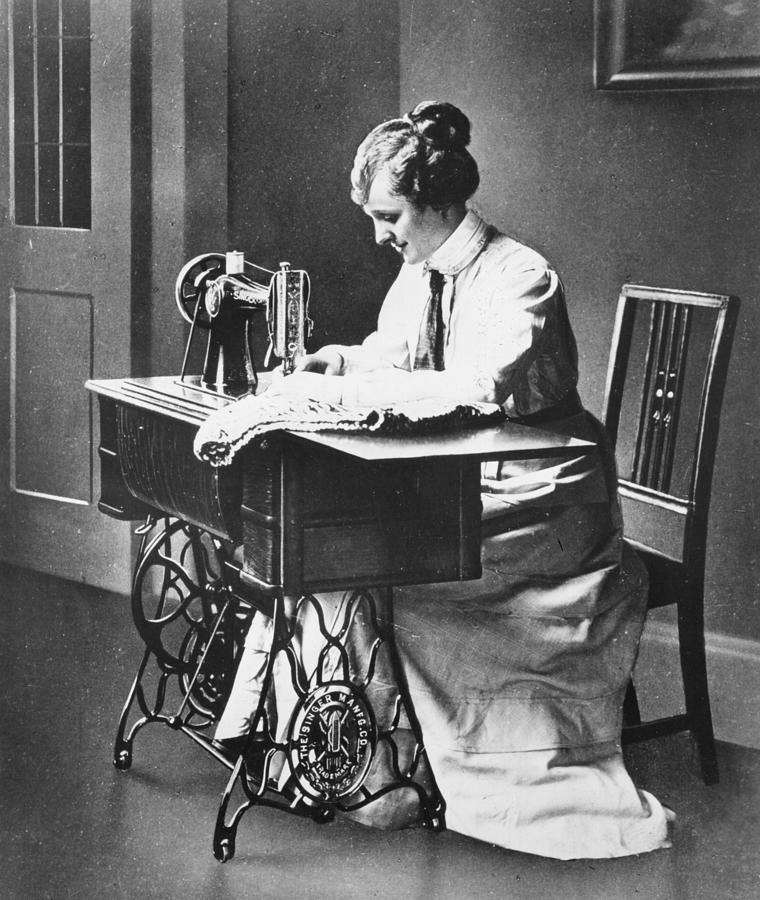 Sewing Machine Photograph by Hulton Archive