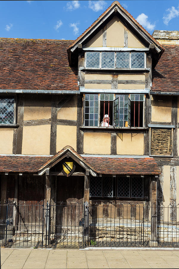 Shakespeares birthplace and actress by Paul Cowan