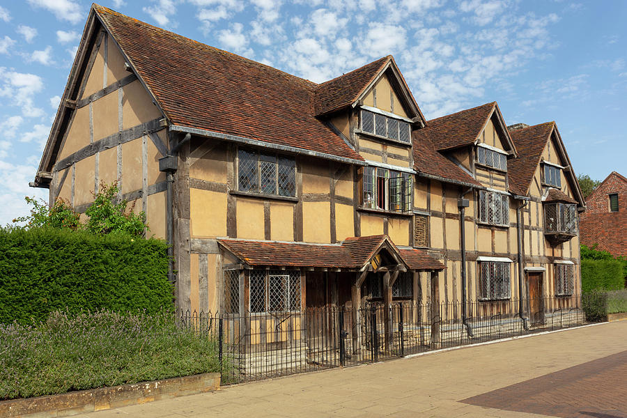 Shakespeares birthplace by Paul Cowan
