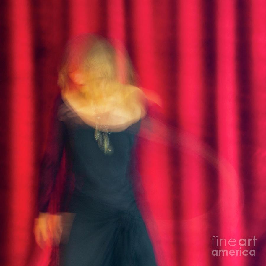 Shakti Dance 3 by Agnieszka Ledwon