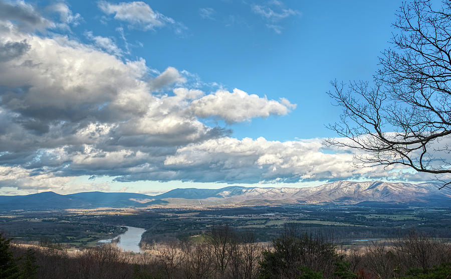 Shenandoah Valley Last Snow 2019  by Lara Ellis