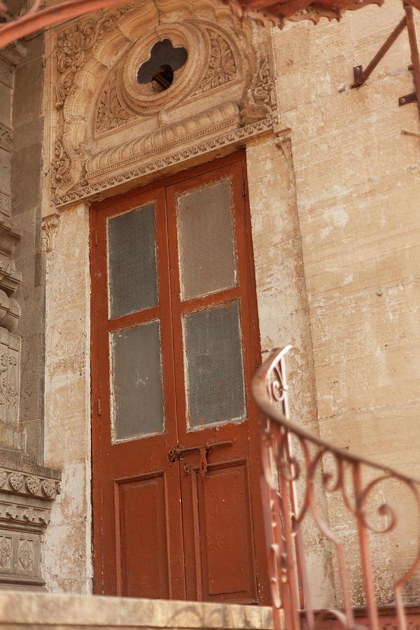 Shinde Chhatri Door by Fran Riley