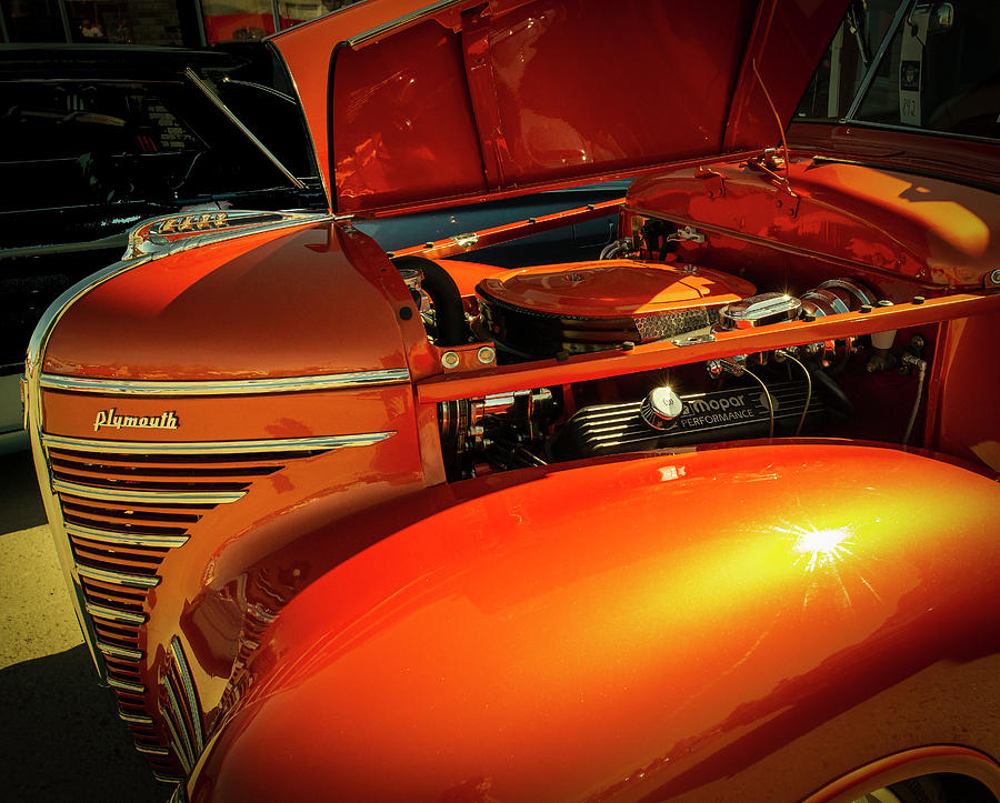 Shiny Old Car by Philip Rispin