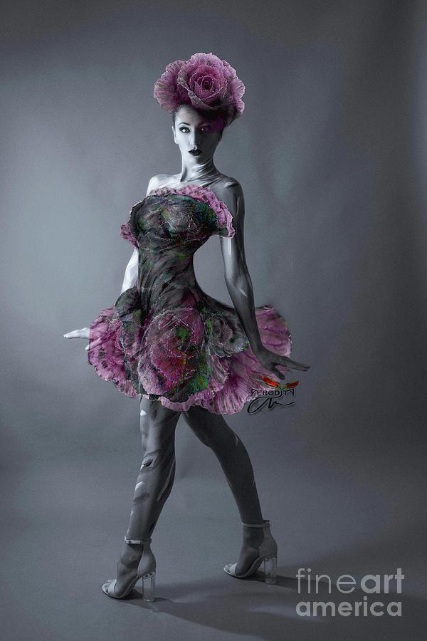Show girl II by Afrodita Ellerman