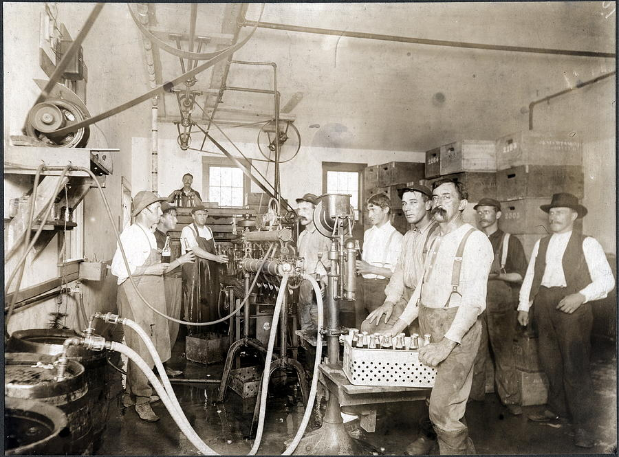 Siebels Brewing Academy Photograph by Chicago History Museum