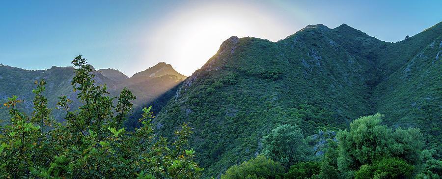 Sierra de Ojen by Borja Robles