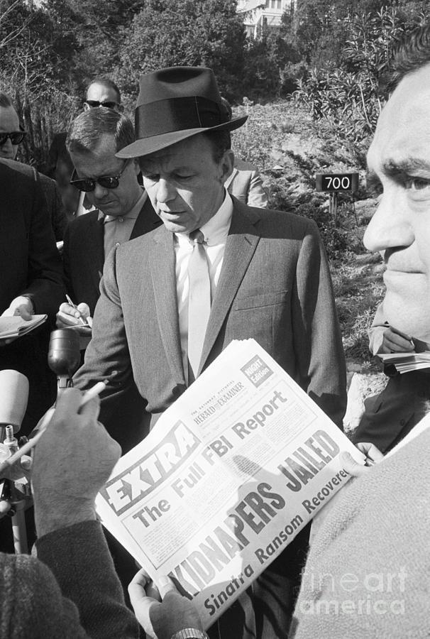 Sinatra Speaks To Press Photograph by Bettmann