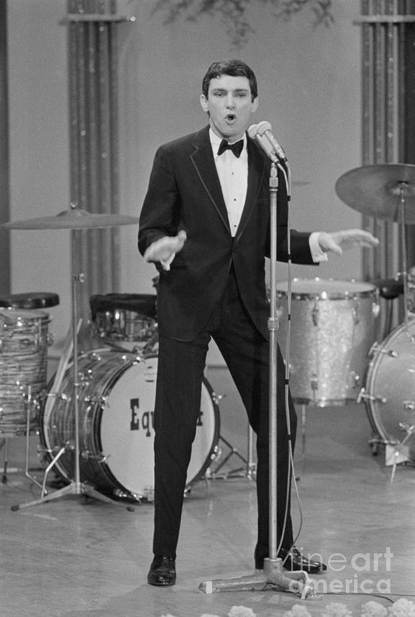 Singer Gene Pitney Performing Photograph by Bettmann
