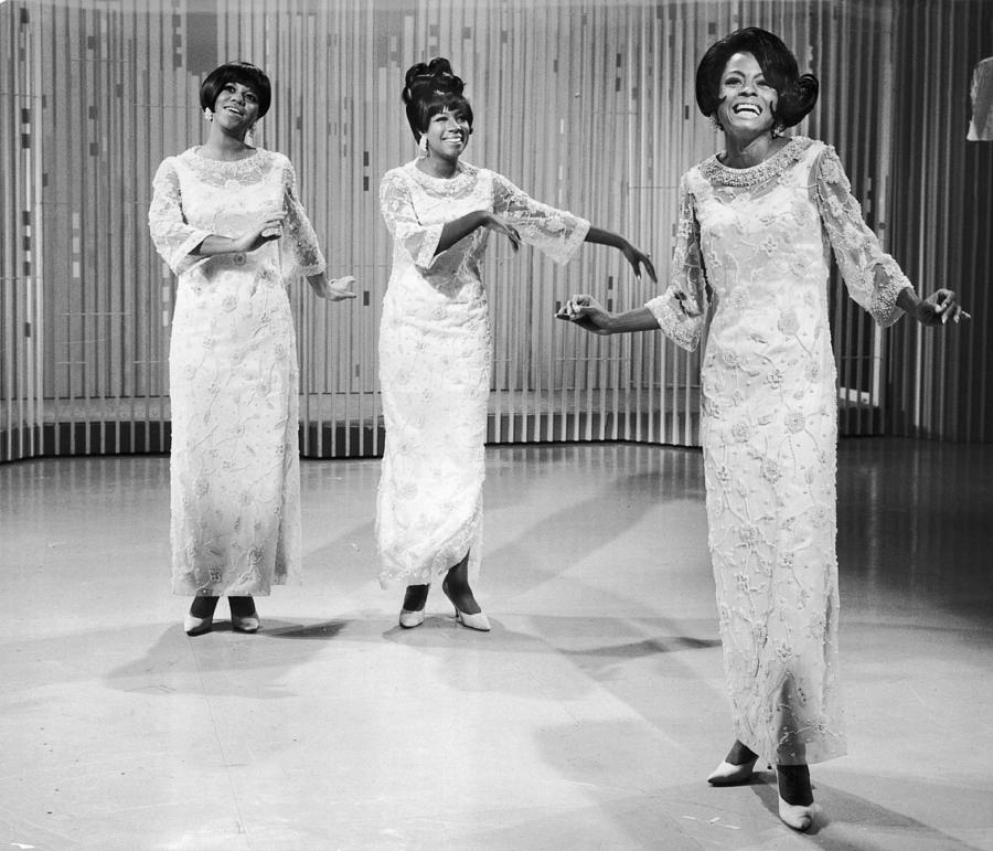 Singing Supremes Photograph by Hulton Archive