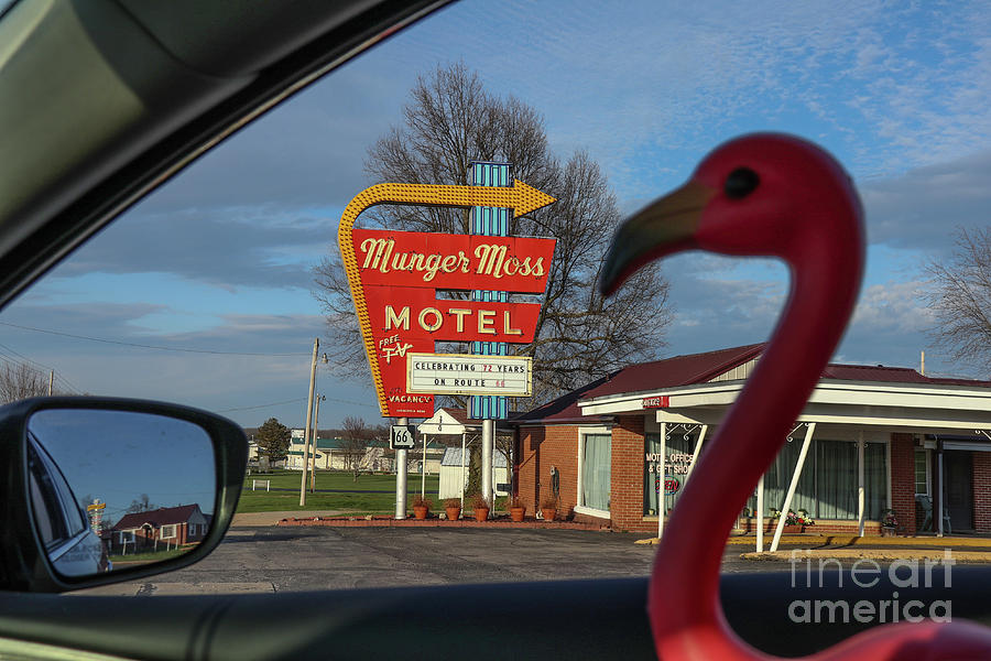 Sippi at Munger Moss Motel on Route 66 by Garry McMichael