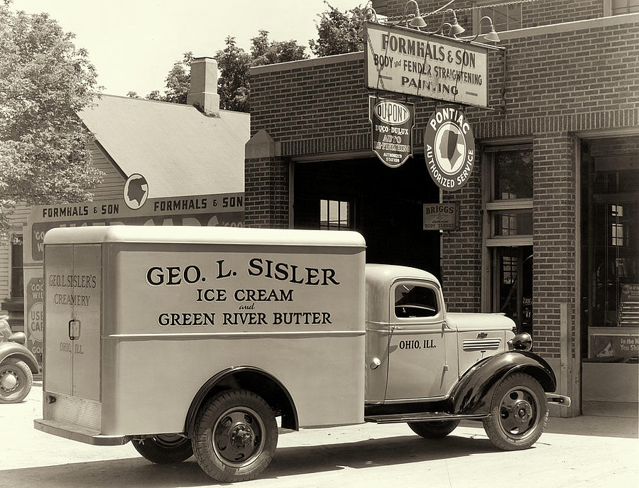 Sisler Ice Cream Ohio, IL by Jayson Tuntland