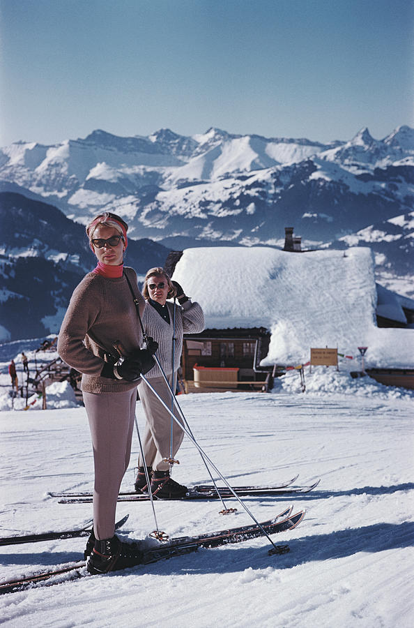Skiers In Gstaad Photograph by Slim Aarons