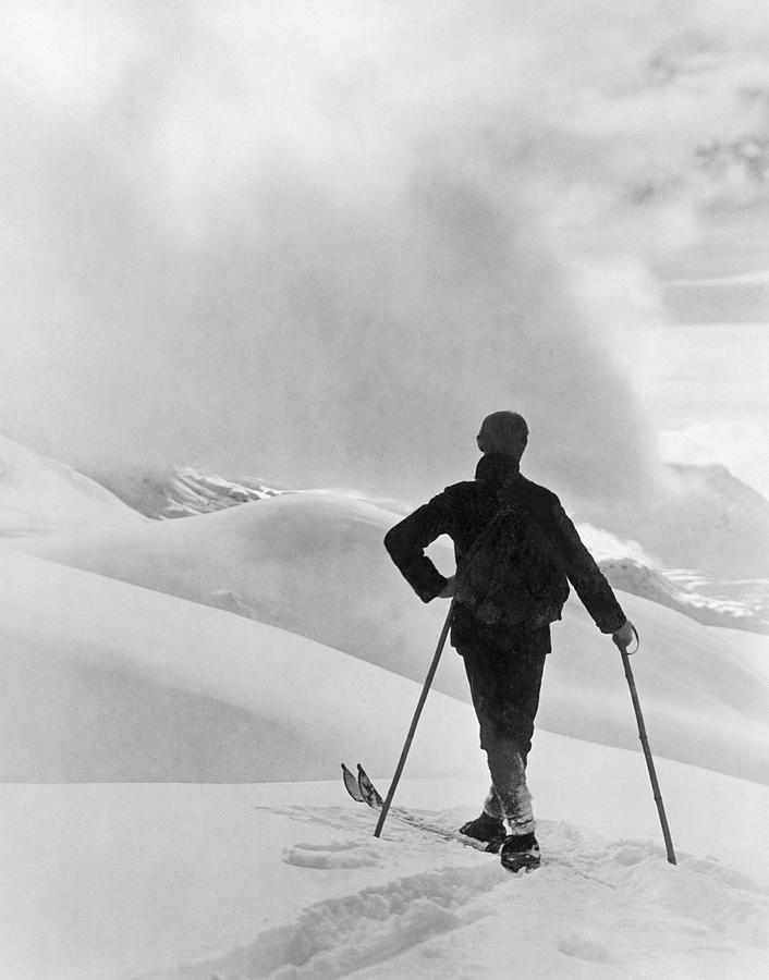 Skiers In Saint Moritz In 1950s Photograph by Keystone-france