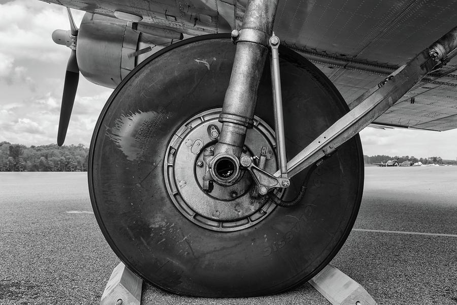 Skytrain Main Gear by Chris Buff