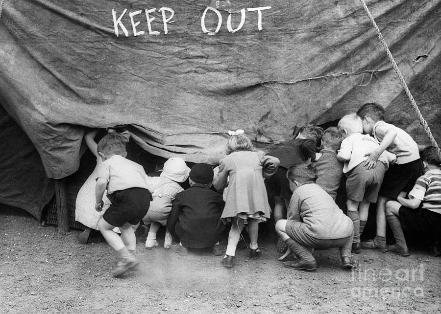 Small Children Sneak Into Circus Tent Photograph by Bettmann