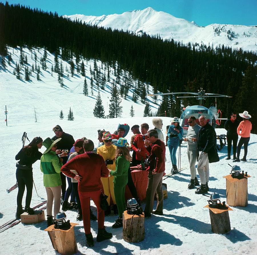 Skiing Photograph - Snowmass Picnic by Slim Aarons