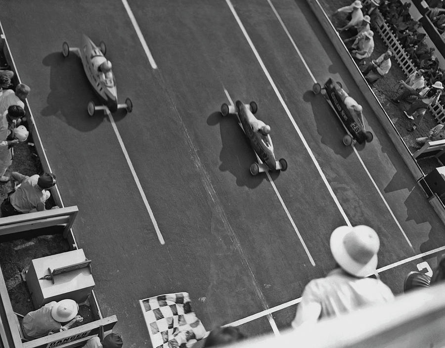 Soap Box Derby Photograph by Fpg