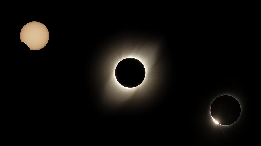 Solar Eclipse Chile  by Erika Valkovicova
