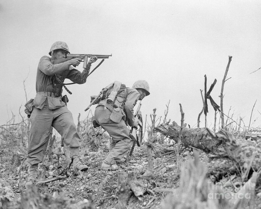 Soldier Aiming His Gun Photograph by Bettmann