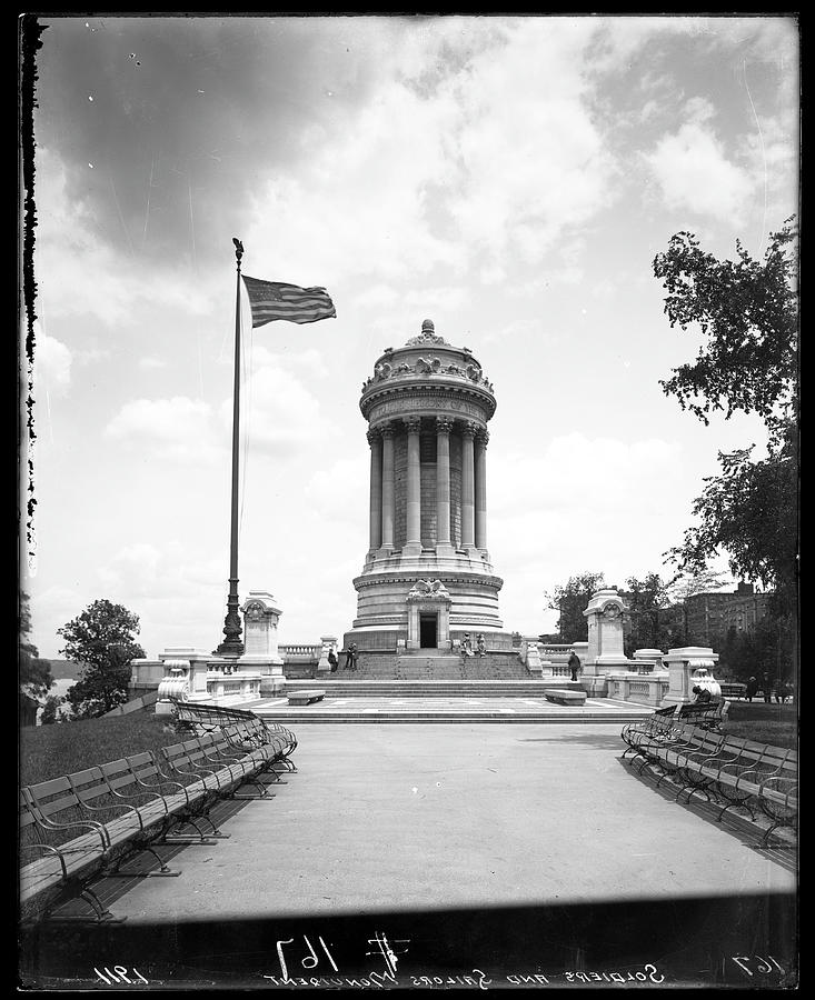 Soldiers And Sailors Monument Photograph by The New York Historical Society