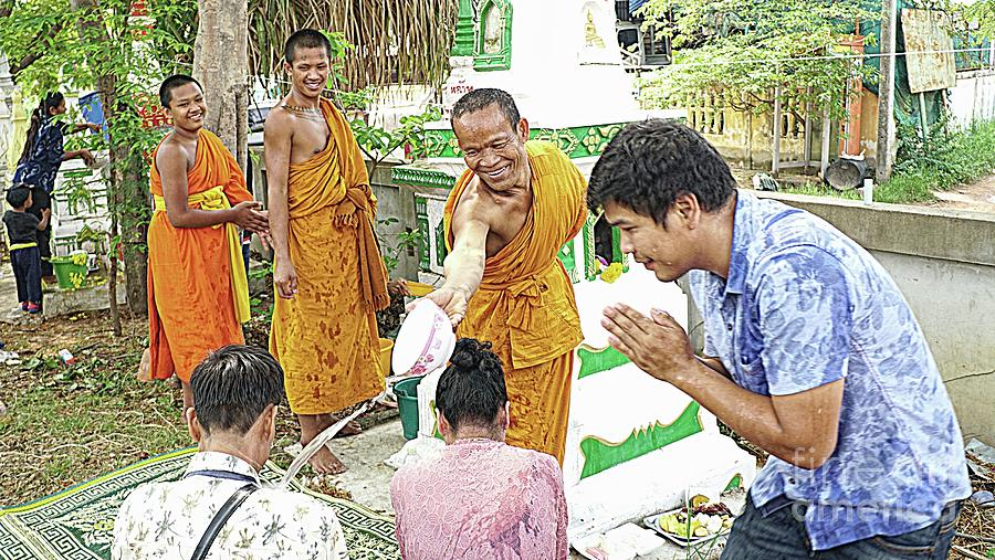 Songkran Water Blessing by Ian Gledhill