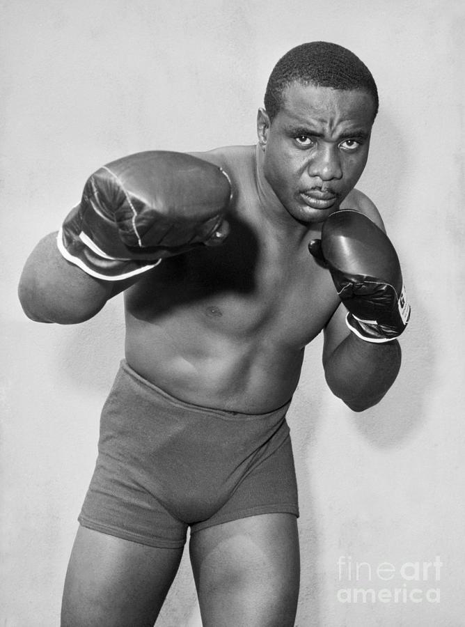 Sonny Liston Posing With Gloves Photograph by Bettmann