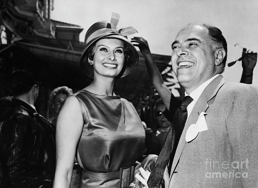 Sophia Loren And Carlo Ponti At Cannes Photograph by Bettmann