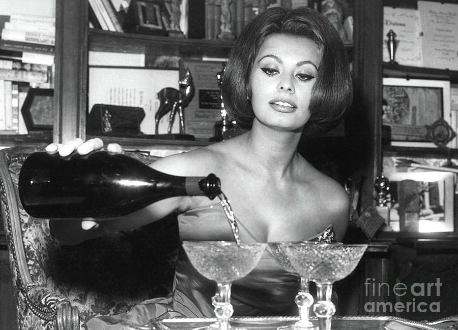 Sophia Loren Digital Art - Sophia Loren, coupe Champagne glasses by Thomas Pollart