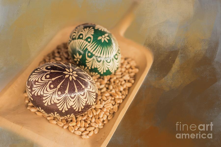 Sorbian Easter Eggs by Eva Lechner