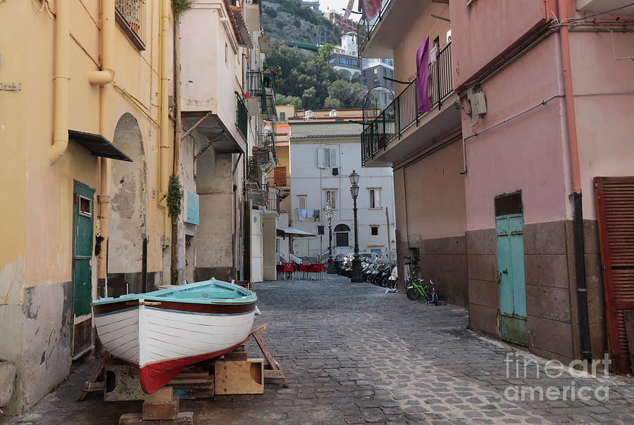 Sorrento Old port by Peter Skelton