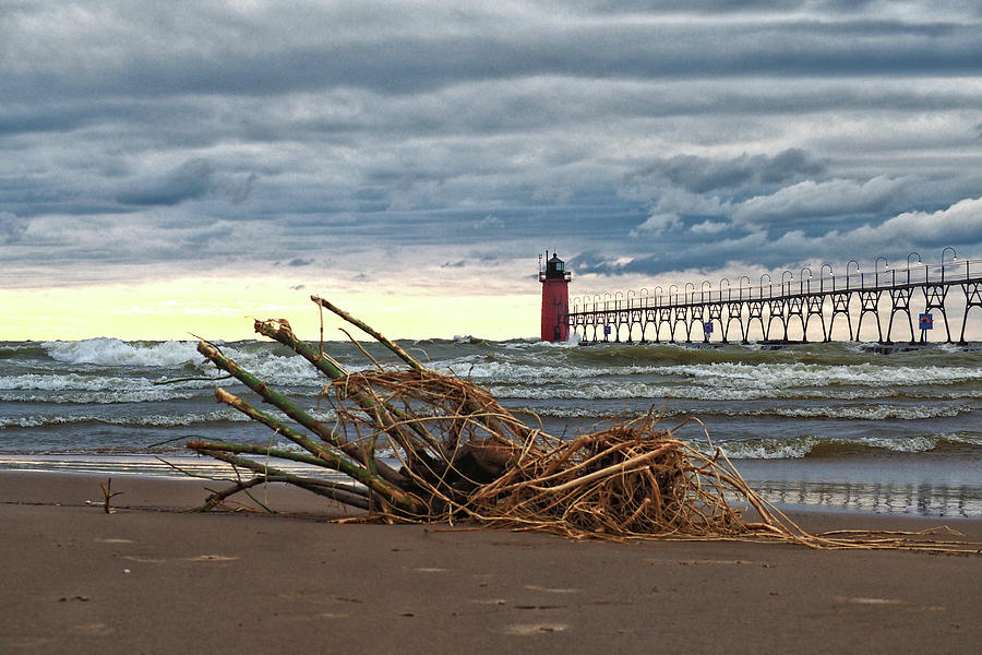 South Haven LIght - A Pierhead Lighthouse by Bill Swartwout Photography
