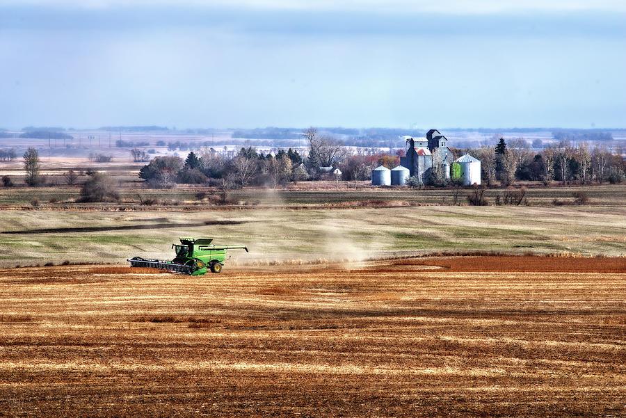 Soybean Harvest - Brinsmade ND by Peter Herman